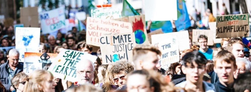 Diese Bücher unterstützen dich bei deinem Einsatz für Umwelt & Klima!