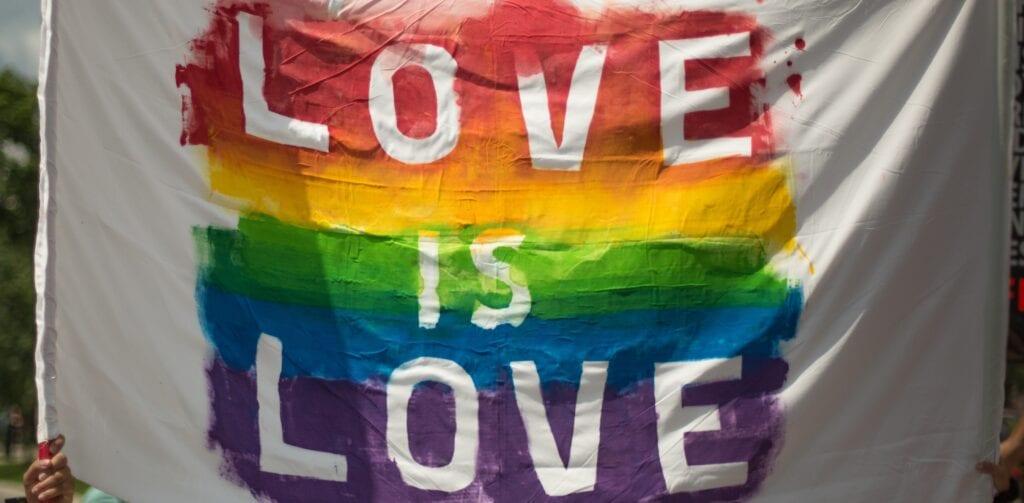 Spannende Bücher zum Pride Month!